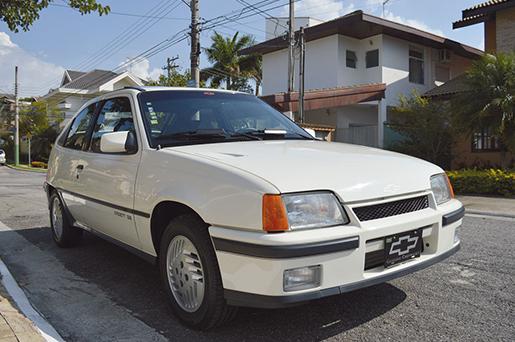 Chevrolet Kadett GS, o esportivo nato que a General Motors trouxe para o começo de uma nova década