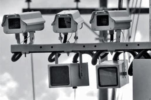 São Paulo: radares multam quase o dobro durante a madrugada