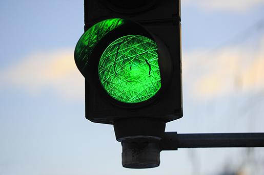 Ford testa tecnologia que avisa velocidade ideal para sinal verde